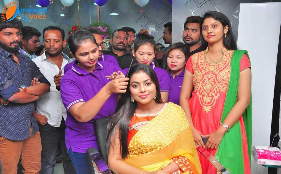 Naturals Beauty Parlour Rates For Bridal Makeup